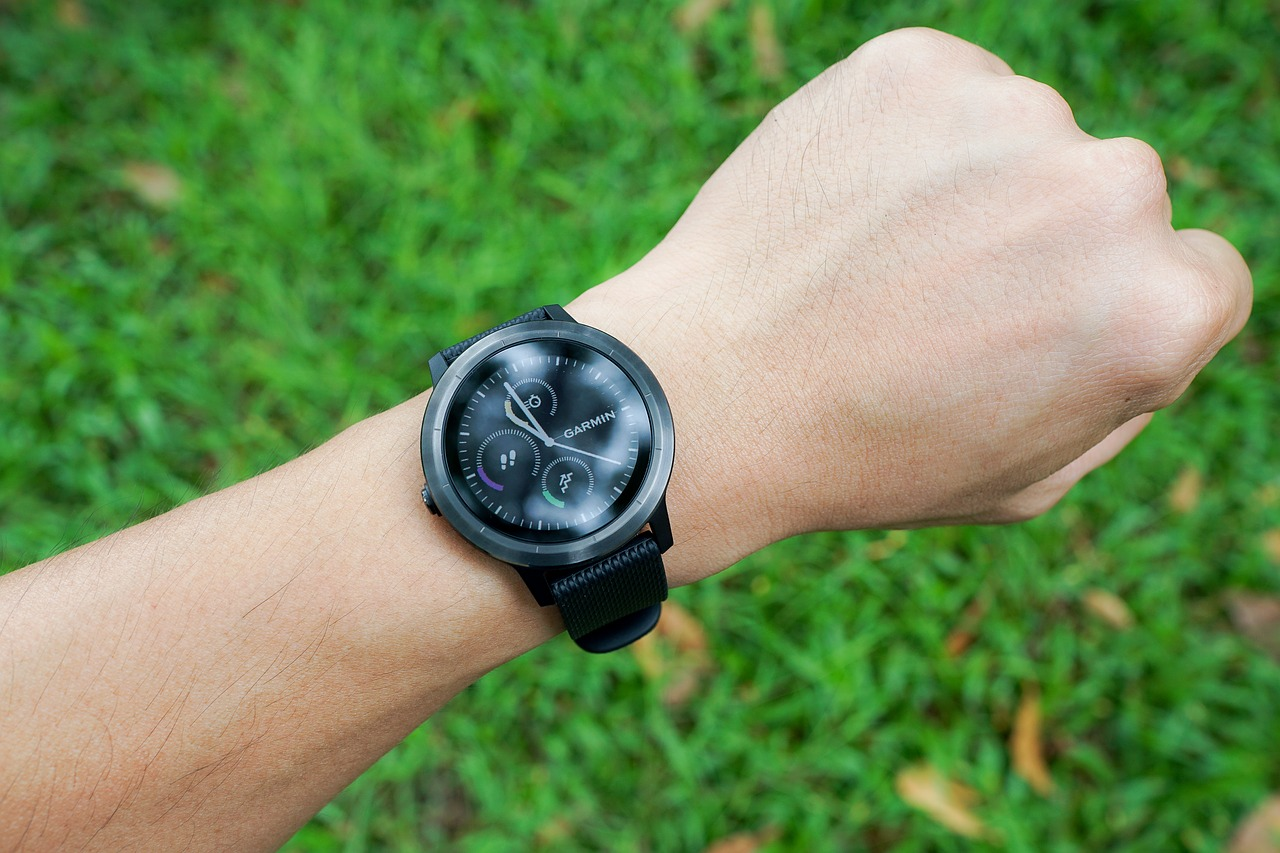 Best Waterproof Smartwatches Reviews Based on Specifications